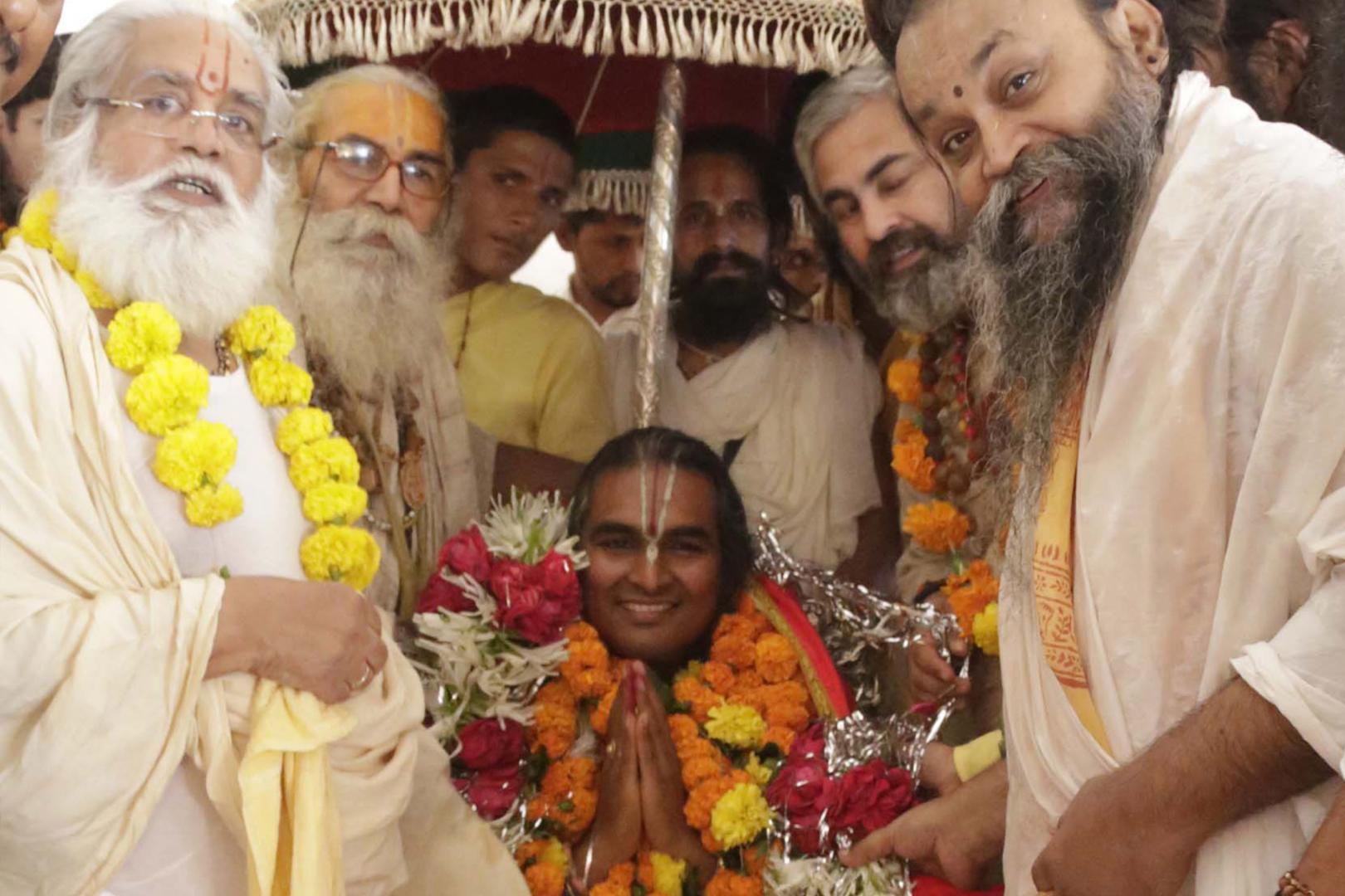 Paramahsa Vishwananda inicjacja na mahamandaleshwara