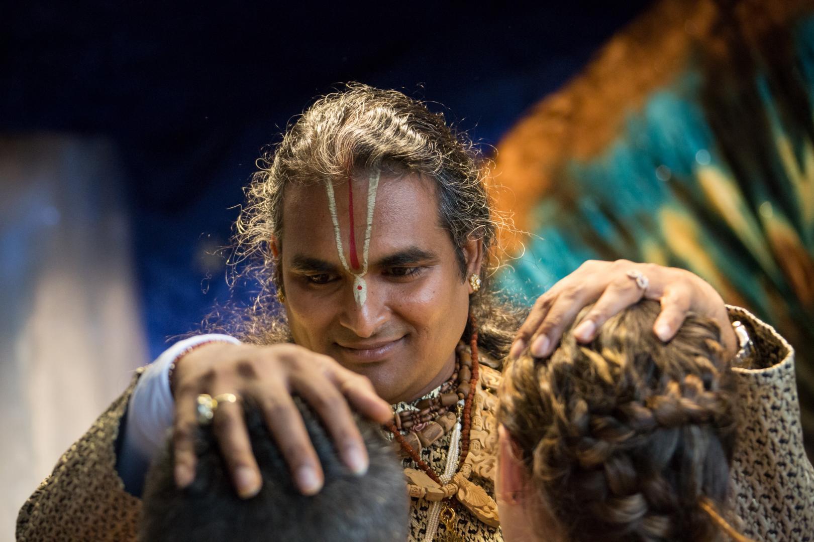 Darszan Paramahamsa Vishwananda